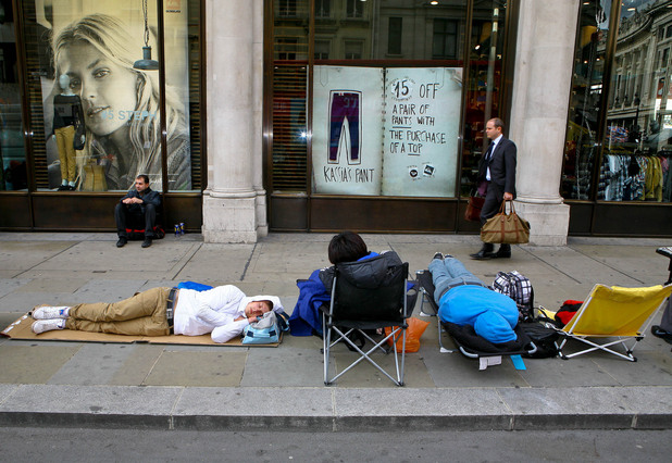 Apple fans waiting outside the London store on Regent Street for the iPhone 5