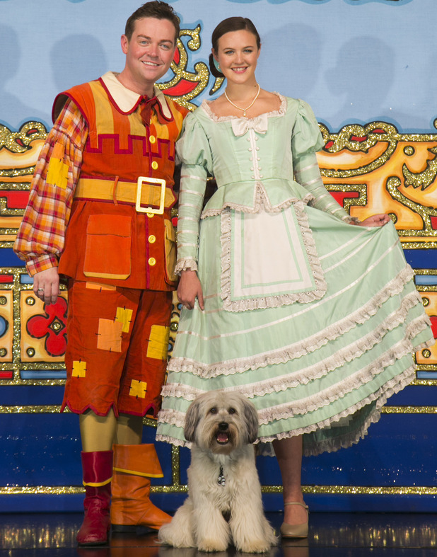 Ashleigh & Pudsey and Stephen Mulhern in &#39;Dick Whittington&#39;.