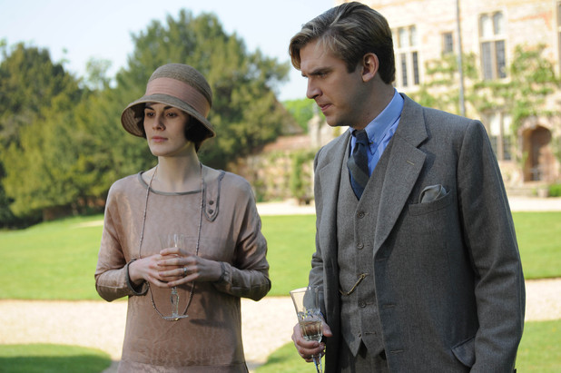 Michelle Dockery as Lady Mary, Dan Stevens as Matthew Crawley