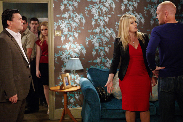 Tanya demands that Derek leaves the party.