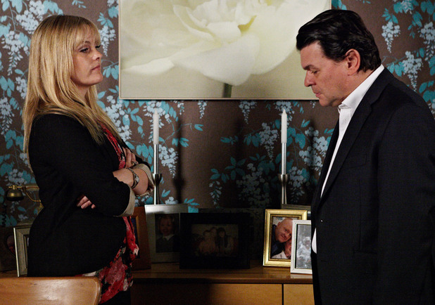Derek is forced to apologise to Tanya for his awful behaviour at Abi's birthday party.