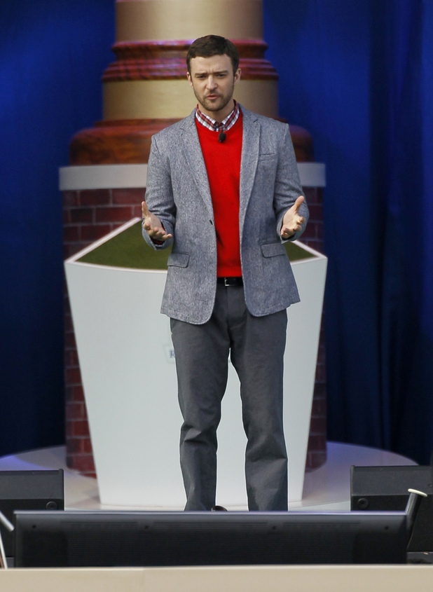 Justin Timberlake recites the poem 'Golf' at the Ryder Cup opening ceremony, September 26, 2012