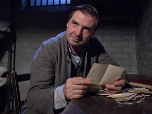 Downton Abbey S03E04: Brendan Coyle as Bates