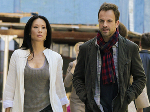Elementary - Season 1, Episode 2: Sherlock (Jonny Lee Miller) and Watson (Lucy Liu)