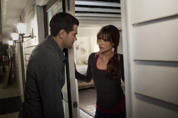 Jesse Metcalfe as Christopher Ewing and Jordana Brewster as Elena Ramos