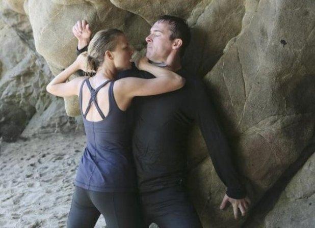 Revenge S02E01: 'Destiny'