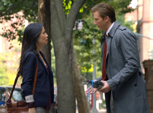 Elementary - Season 1, Episode 2: Watson (Lucy Liu) and Bill Heck