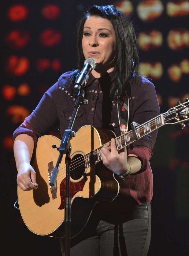 Lucy Spraggan performs on Live Show 1