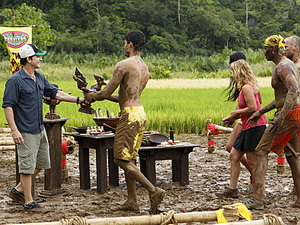 """Create a Little Chaos"" - Jeff Probst hands over the Immunity Idol to Peter ""Pete"" Yurkowski of the Tandang Tribe during the fourth episode of Survivor: Philippines, Wednesday, October 10"