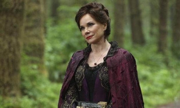 Once Upon A Time S02E02: 'We Are Both'