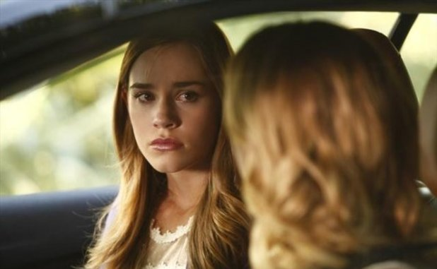 Revenge S02E02: 'Resurrection'