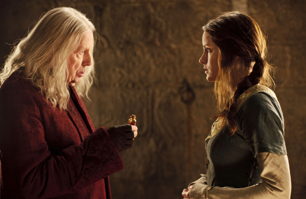 Merlin S05E02 - &#39;Arthur&#39;s Bane - Part 2&#39;: Gaius (Richard Wilson) and Sefa (Sophie Rundle)