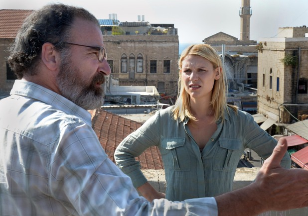 Homeland S02E02 - 'Beirut is Back': Mandy Patinkin and Claire Danes