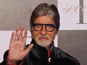 Amitabh mobbed during night shoot