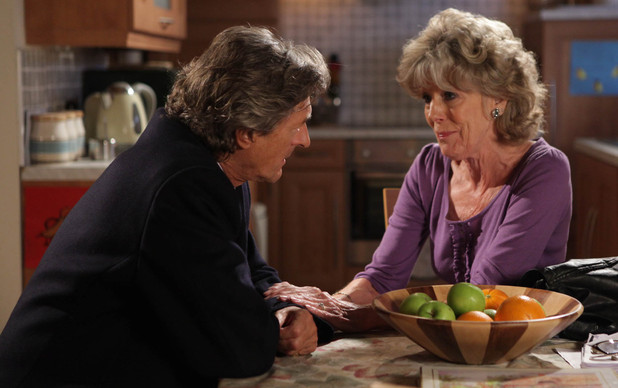 7988: Audrey asks Lewis for forgivness after discovering the fake plan hatched with Gloria and Gail