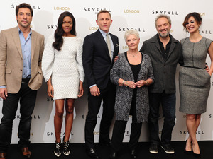 Javier Bardem, Naomie Harris, Daniel Craig, Dame Judi Dench, Sam Mendes and Berenice Malohe at a photocall for the new James Bond film &#39;Skyfall&#39; at the Dorchester Hotel, London