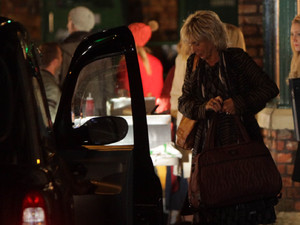 7990: Gloria Price leaves after Stella finds out about the cheating
