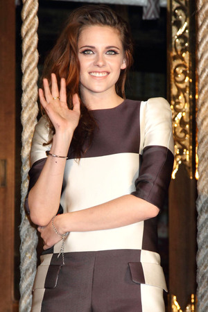 Kristen Stewart, The Twilight Saga: Breaking Dawn - Part 2, Japan