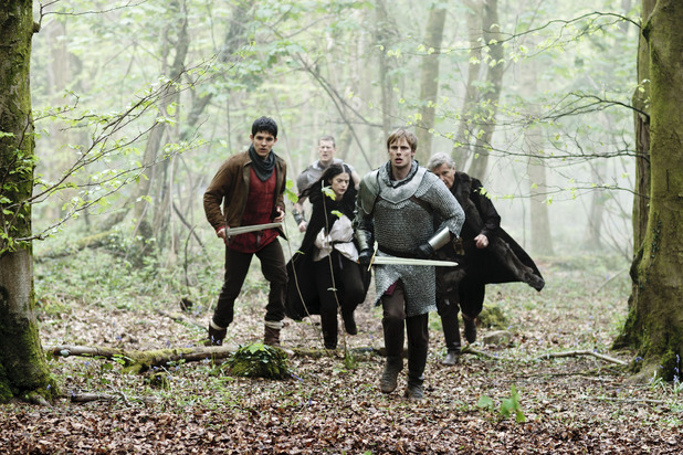 Merlin S05E04 - &#39;Another&#39;s Sorrow&#39;: Merlin (COLIN MORGAN), Princess Mithian (JANET MONTGOMERY), King Arthur Pendragon (Bradley James), King Rodor (JAMES FOX)