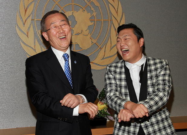 Psy does the &#39;Gangnam Style&#39; dance with UN Secretary General Ban Ki-moon at UN Headquarters - October 23, 2012
