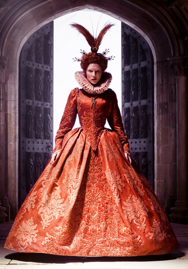 Hollywood costumes at V&A museum: Queen Elizabeth