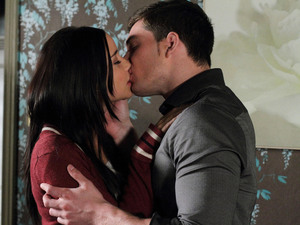 EastEnders, Lauren and Joey kiss, Fri 1 Nov