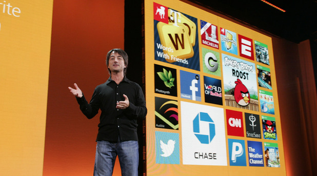 Windows Phone 8 Launch: Joe Belfiore Demos Live Apps