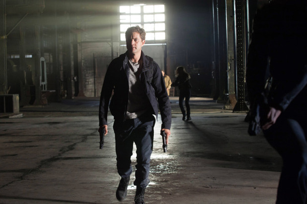 Fringe S05E04: 'The Bullet That Saved the World'