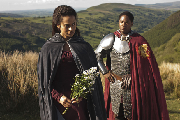Sir Elyan (ADETOMIWA EDUN), Gwen (ANGEL COULBY)