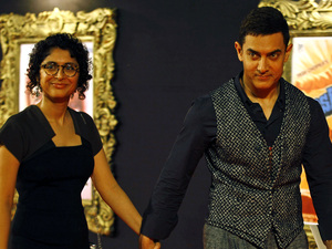 'Jab Tak Hain Jaan' premiere in Mumbai, India: Aamir Khan with wife Kiran Rao