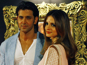 'Jab Tak Hain Jaan' premiere in Mumbai, India: Hrithik Roshan and wife Suzanne Roshan