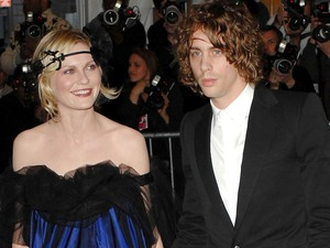 Kirsten Dunst, Johnny Borrell, weird celebrity couples, 2007