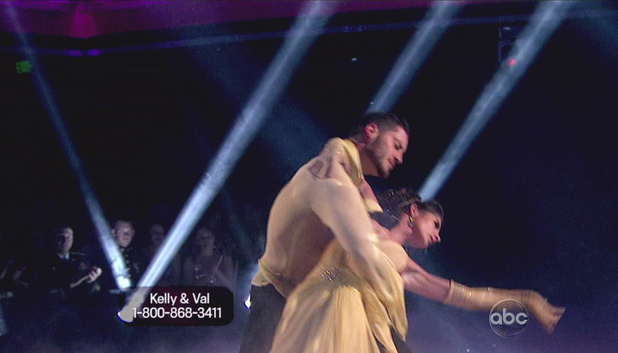 Dancing WIth The Stars S15E14: Val Chmerkovskiy and Kelly Monaco