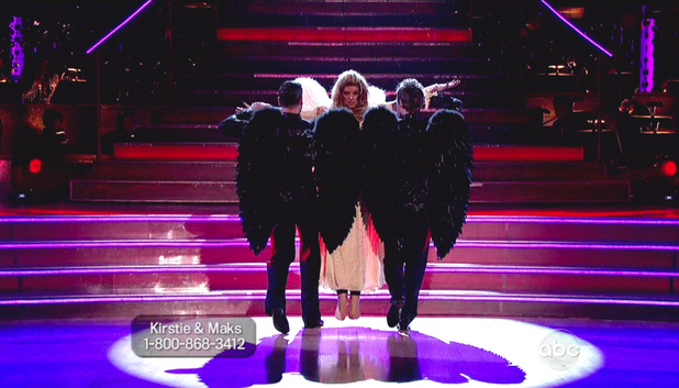 Dancing WIth The Stars S15E14: Maksim Chmerkovskiy, Kirstie Alley and Tristan MacManus