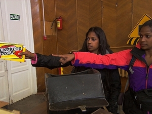 The Amazing Race 'We Was Robbed' - Natalie and Nadiya