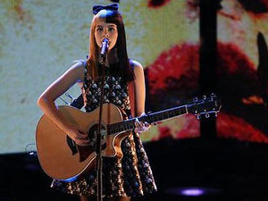 The Voice USA (Season 3, Episode 19) Live shows: Melanie Martinez