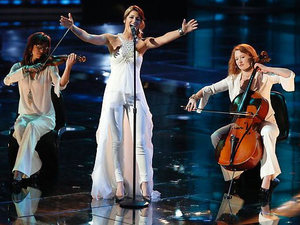 The Voice USA (Season 3, Episode 19) Live shows: Cassadee Pope