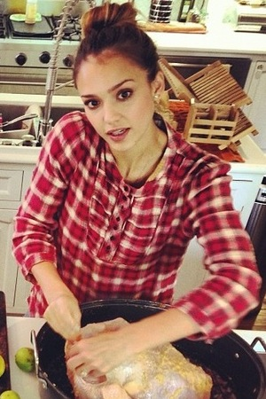 Jessica Alba, thanksgiving, twitter