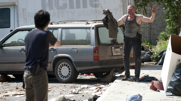 The Walking Dead S03E06: 'Hounded'