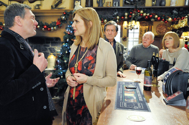 6415: Steve arrives at the Woolpack, wanting to talk to Bernice