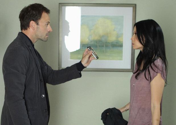 Elementary S01E05: 'Lesser Evils'