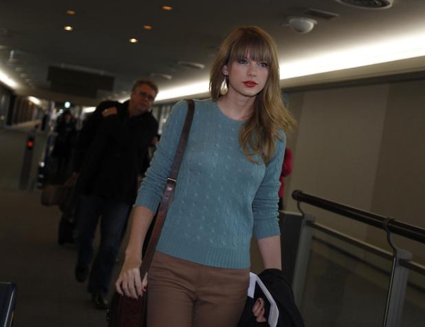 Taylor Swift, Narita international airport