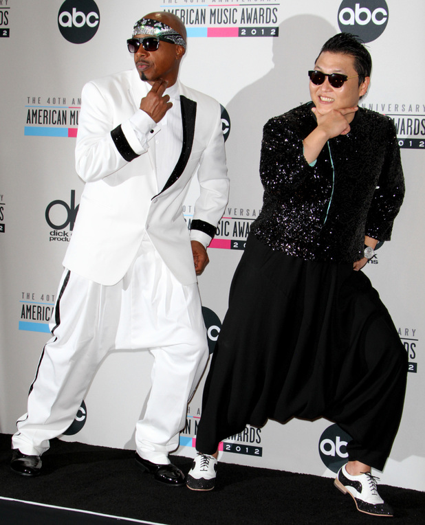 Psy and MC Hammer at the AMAs 2012
