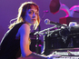 Fiona Apple cancels dates due to ill dog