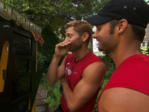 The Amazing Race ('fishy kiss') - Jaymes and James