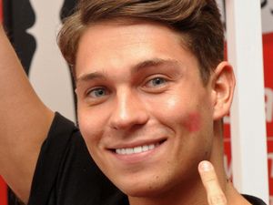 Joey Essex at the Virgin Media kiss-as-you-go challenge