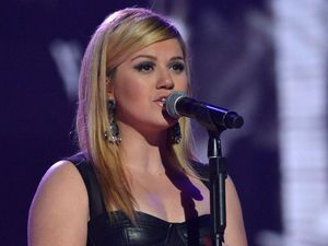 The X Factor Final: Kelly Clarkson.