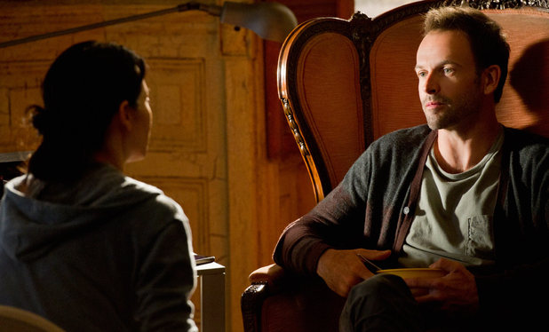 'Elementary' S01E07: 'One Way To Get Off'