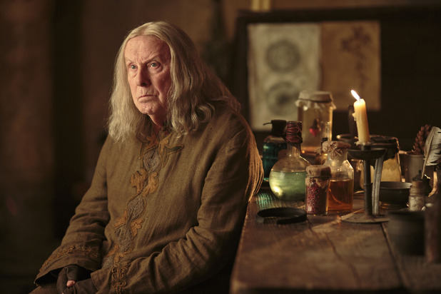 Merlin S05E10 - &#39;The Kindness of Strangers&#39;: Gaius (RICHARD WILSON)