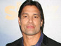 'Spartacus' Manu Bennett joins 'Arrow'